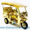 ของพรีเมี่ยม ของที่ระลึกไทย รถตุ๊กตุ๊กจำลอง Size M แบบ 9 สีทองล้วน