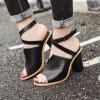 รองเท้าส้นหนาสีดำแบบเก๋ ไซต์ 35-39