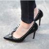 เทคนิคการใส่รองเท้าส้นสูงให้สวยเริศ