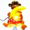 ของขวัญไทยๆ โคมไฟกะลามะพร้าว รูปสัตว์แฟนซีลิงถือกล้วย