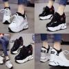 รองเท้าผ้าใบเสริมส้นสีขาว/ดำ ไซต์ 34-39