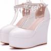 รองเท้าส้นเตารีดเจ้าสาวสีขาว ไซต์ 34-41