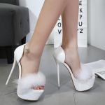 พร้อมส่งรองเท้าส้นสูงสีขาว ไซต์ 37