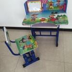 โต๊ะเขียนหนังสือเด็ก 45x70x65ซม ชุดละ 650 บาท ส่ง 10ชุด