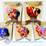 ของที่ระลึกไทย พวงกุญแจช้างชูใจ ลายดอกไม้ S4ขา(แพ็ค 5 ชิ้น คละสี) แบบ 6