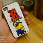 iPhone 4, 4S - เคส Face Idea ลาย Minion ตาเดียวยิ้มมุมปาก