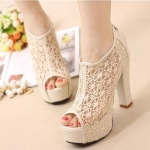 รองเท้าส้นสูง ลูกไม้หนังนุ่ม จากเกาหลี