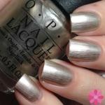 OPI-The Silver's Mine! สีเงินเนื้อมุกเนื้อละเอียด โทนสีคลาสสิคที่ทาแล้วดูสวยสง่ามากๆ