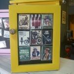 ตู้ใส่กุญแจ สีเหลือง