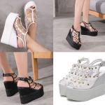 รองเท้าส้นเตารีดติดหมุดสีขาว/ดำ ไซต์ 35-39