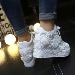 รองเท้าผ้าใบเสริมส้นสีขาวลูกไม้ ไซต์ 35-39