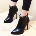 รองเท้าบูทปลายแหลมสีดำ ไซต์ 34-39