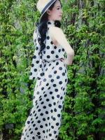 (สีขาว)ชุดเดรสแซกยาวแฟชั่นเกาหลี เที่ยวทะเล เม็กซี่เดรสเก๋ ๆ (Maxi Dress) สีขาวลายจุดวงกลมสีดำ คอเต่า แขนกุด โชว์หลัง ช่วงคอเป็นเชือกผูก เอวยางยืด ซับในครึ่งตัวสีดำ (ใหม่ พร้อมส่ง) ร้าน Ladyshop4u