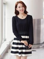 (สีดำ) ชุดเดรสแซกสั้นแฟชั่นเกาหลี สีดำ เสื้อผ้ายืด คอกลม แขนยาว ตัดต่อกระโปรงลายขวางสีขาวสลับดำผ้าชีฟองเนื้อทราย(ใหม่ พร้อมส่ง) ร้าน Ladyshop4u