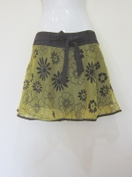 (สีเขียว) กระโปรง+กางเกง กางเกงเที่ยวทะเล กางเกงกระโปรง กระโปรงแฟชั่น กระโปรงทำงาน ผ้าลูกไม้อิตาเลี่ยน ลายดอกไม้ สีเขียว ด้านหน้าีมีโบว์ผูกสีดำ เอวยางยืด กางเกงด้านในสีดำ สวย ดูดี (ใหม่ พร้อมส่ง) ladyshop4u
