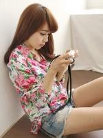 (สีแดงขาว)เสื้อเชิ้ตทำงานแฟชั่นเกาหลี เสื้อเที่ยวทะเล แขนยาว คอปก กระดุมหน้า กระเป๋าหน้า ลายดอกไม้น่ารัก สวมใส่สะบาย (ใหม่ พร้อมส่ง) ร้าน LadyShop4U