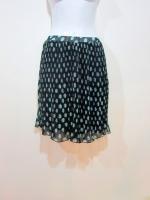 กระโปรงอัดพลีท กระโปรงสั้น กระโปรงทำงาน สีดำ ลายจุดวงกลมสีเขียว ผ้าชีฟอง เอวยางยืด ใส่สบาย (ใหม่ พร้อมส่ง) LadyShop4U