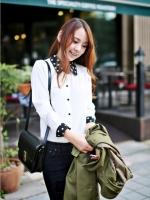 (สีขาว)เสื้อผ้าแฟชั่นเกาหลีทำงานออฟฟิศ สีขาว คอปกสีดำลายจุดวงกลมสีขาว แขนยาวกระดุมหน้า ผ้าชีฟอง( ใหม่ พร้อมส่ง) ร้าน LadyShop4U