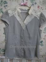 เสื้อแฟชั่น ลายจุด Polka Dot สีน้ำเงิน คอเสื้อและปกประดับผ้าลูกไม้ งานสวยเนี๊ยบ