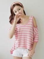 เสื้อยืดแฟชั่นเกาหลี ลายขวางสีชมพูขาว เว้าไหล่และแขน คอกว้าง เสื้อเกาหลี เสื้อแฟชั่น เสื้อลำลอง (ใหม่ พร้อมส่ง) ร้าน LadyShop4U
