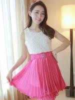 (สีชมพู)ชุดเดรสสั้นแฟชั่นเกาหลีหวาน ชุดออกงาน สีชมพู เสื้อผ้าชีฟองแต่งดอกกุหลาบ กระโปรงอัดพลีท ซิปข้าง มาพร้อมเข็มขัด (ใหม่ พร้อมส่ง) ร้าน Ladyshop4u