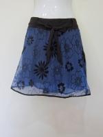 (สีน้ำเงิน) กระโปรง+กางเกง กางเกงไปทะเล กางเกงกระโปรง กระโปรงแฟชั่น กระโปรงทำงาน ผ้าลูกไม้อิตาเลี่ยน ลายดอกไม้ สีน้ำเงิน ด้านหน้าีมีโบว์ผูกสีดำ เอวยางยืด กางเกงด้านในสีดำ สวย ดูดี (ใหม่ พร้อมส่ง) ladyshop4u
