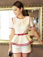 ชุดเดรสสั้นแฟชั่นเกาหลี สีขาวแถมแดง เสื้อคอหลมแขนสั้นแต่งระบาย ซิปหลัง + กางเกงขาสั้น + เข็มขัดสีแดง(ใหม่ พร้อมส่ง) ร้าน Ladyshop4u