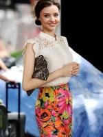 (สีขาว)เสื้อทำงานแฟชั่นเกาหลีออฟฟิศ ผ้าชีฟอง สีขาว กระดุมหน้า แขนกุดแต่งลูกไม้ ( ใหม่ พร้อมส่ง) ร้าน LadyShop4U