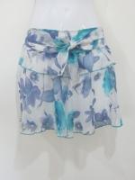 (โทนน้ำเงินเขียว) กระโปรงกางเกงทำงาน กระโปรงสั้นแฟชั่น สีครีม ลายดอกไม้โทนสีน้ำเงิน เขียว ผ้าชีฟอง มีโบว์ผูกที่เอว มีระบาย ซับในสีขาว (ใหม่ พร้อมส่ง) LadyShop4U