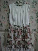 เดรสไปงาน ตัวเสื้อสีขาว กระโปรงลายดอกกุหลาบสวย Hiso ดูหรูหรา