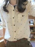 (สีขาว)เสื้อเชิ้ตทำงานแฟชั่นเกาหลี เสื้อเชิ๊ตทำงาน กระดุมหน้า กระเป๋าหน้า คอปก เสื้อลายสมอน่ารัก เสื้อสีขาว (ใหม่ พร้อมส่ง) ร้าน LadyShop4U