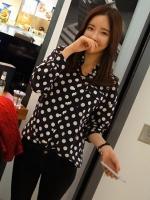 Pre Order (สีดำ ไซส์ L)เสื้อเชิ้ตทำงานแฟชั่นเกาหลี เสื้อเชิ๊ตทำงาน ผ้าชีฟอง คอปก แขนยาว สีดำลายจุดวงกลมสีขาว กระดุมหน้า (ใหม่ พรีออเดอร์) ร้าน LadyShop4U