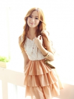 Pre order (สีชมพู)ชุดเดรสแซกแฟชั่นทำงานเกาหลี คอกลม แขนกุดตัดต่อกระโปรงสีชมพูอ่อน ผ้าชีฟอง เสื้อสีขาวผ้าลูกไม้ กระโปรงบาน (ใหม่ พรีออเดอร์) ร้าน Ladyshop4u
