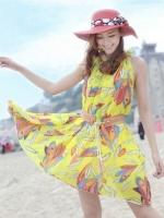 (สีเหลือง) ชุดเดรสแซกสั้นเกาหลี เที่ยวทะเล ชุดไปทะเล ผ้าชีฟอง พิมพ์ลายขนนก คอจีบ แขนกุด พร้อมเข็มขัดสีน้ำตาล ฟรีไซส์ค่ะ(ใหม่ พร้อมส่ง) ร้าน LadyShop4u