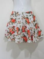 (สีส้ม) กางเกงกระโปรง กางเกงใส่เที่ยว พื้นที่ขาว ลายดอกไม้ สีส้ม สวย ดูดี (ใหม่ พร้อมส่ง) LadyShop4U