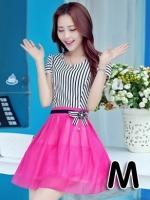 (สีชมพู ไซส์ M) ชุดเดรสแซกสั้นแฟชั่นเกาหลี เสื้อผ้าคอตตอนสีขาวสลับดำ คอกลม แขนสั้นแต่งขอบด้วยลูกไม้ เย็บติดกระโปรงผ้าแก้ว สีชมพูบานเย็น ซิปข้าง (ใหม่ พร้อมส่ง) ร้าน Ladyshop4u