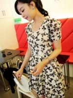 Pre order (สีขาวดำ ไซส์ L) ชุดเดรสแซกสั้นแฟชั่นเกาหลี สีขาว ลายโบว์ มีซับใน แขนตุ๊กตา คอกลม ผ้าชีฟอง (ใหม่ พรีออเดอร) LadyShop4u