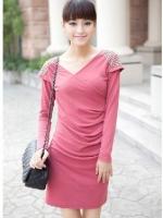 (สีชมพู)เดรสทำงาน เดรสแฟชั่น เดรสเกาหลี เดรสสั้น mini dress เดรสลำลอง สีชมพู คอกลม แขนยาว ปักเลื่อมที่ไหล่ เข้ารูป ดูดี (ใหม่ พร้อมส่ง) ร้าน Ladyshop4u