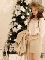 เสื้อแฟชั่นเกาหลี คอกลมแต่งอะคริลิค แขนยาว สวมใส่สบาย ดูดี เก๋ ๆ(ใหม่ พร้อมส่ง) Ladyshop4u