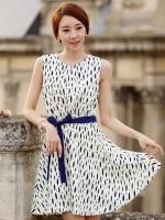 (สีเบจ) ชุดเดรสแซกสั้นแฟชั่นเกาหลี ชุดทำงาน คอกลม แขนกุด ผ้าชีฟอง พิมพ์ลาย กระโปรงทรงสวิง มีผ้าผูกเอวสีน้ำเงิน (ใหม่ พร้อมส่ง) ร้าน Ladyshop4u
