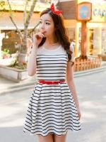 (สีขาวดำ)ชุดเดรสแซกสั้นแฟชั่นเกาหลี คอกลม แขนกุด ผ้ายืด ชุดสีขาวลายตามขวางสีดำ มีเข็มขัดสีแดง(ใหม่ พร้อมส่ง) ร้าน Ladyshop4u