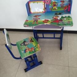 โต๊ะเขียนหนังสือเด็ก 45x70x65ซม ชุดละ 560 บาท ส่ง 20ชุด