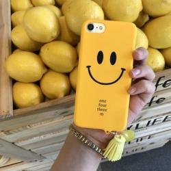 iPhone 6, 6s - เคสแข็งลาย หน้ายิ้ม Smile สีเหลือง พร้อมพู่ห้อย น่ารัก