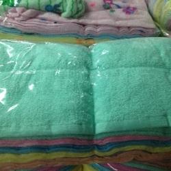 ผ้าขนหนู Cotton100% ผ้าเช็ดตัว สีหวาน 8ปอนด์ คละสี 27*54นิ้ว โหลละ 1040บาท ส่ง 10โหล