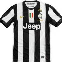 เสื้อทีมเหย้า Juvetus ฤดูกาล 2012 - 2013