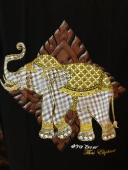 เสื้อยืดคอกลมลายช้างไทย