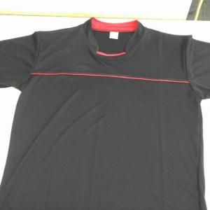 เสื้อกีฬา สีดำ
