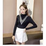 เสื้อแฟชั่นเกาหลีสวยๆ คอเต่าผ้านิ่ม คาดลายเหมือนคอวี ทั้ง 2 ด้าน ดูเก๋จริงๆ - ดำ