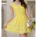 เดรสแฟชั่น ประยุกต์ผ้าลูกไม้กับซีทรูบางๆ ออกมาสีสัน - เหลือง