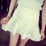 กระโปรงแฟชั่นเกาหลี สั้นกำลังดี ชายบานพริ้วๆ สีสันเข้ากับเสื้อตัวเก่งของสาวๆ ได้งายๆ เลยคร๊าา - ขาว M